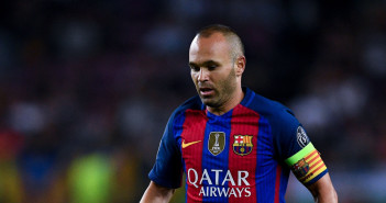 BARCELONA, SPAIN - SEPTEMBER 13:  Andres Iniesta of FC Barcelona runs with the ball during the UEFA Champions League Group C match between FC Barcelona and Celtic FC at Camp Nou on September 13, 2016 in Barcelona, .  (Photo by David Ramos/Getty Images)