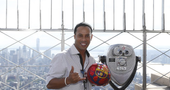NEW YORK, NY - SEPTEMBER 07: Ronaldinho poses for a picture on the 86th Floor of the Empire State Building to celebrate FC Barcelona's 10-year global partnership with UNICEF and the Club's arrival to New York on September 7, 2016 in New York City. (Photo by Jeff Zelevansky/Getty Images for FC Barcelona)