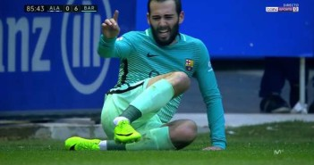 aleix-vidal-injury-alaves-barcelona-11022017_rmustqvzmgmb1ceep3efsjayt