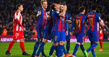 BARCELONA, SPAIN - MARCH 01:  Paco Alcacer of FC Barcelona celebrates with his team mates after scoring his team's fourth goal during the La Liga match between FC Barcelona and Real Sporting de Gijon at Camp Nou stadium on March 1, 2017 in Barcelona, Spain.  (Photo by David Ramos/Getty Images)