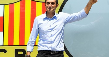 40F75B1400000578-0-New_Barcelona_manager_Ernesto_Valverde_gives_a_thumbs_up_after_a-m-130_1496240402779