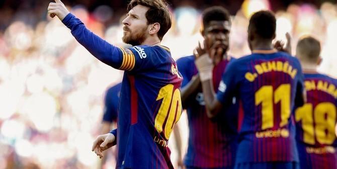 GRAF5440. BARCELONA, 18/03/2018.- El delantero argentino del FC Barcelona, Lionel Messi, celebra su gol durante el partido de hoy contra el Athletic de Bilbao correspondiente a la jornada 29 de LaLiga en el Estadio Camp Nou de Barcelona. EFE/ Alberto Estévez