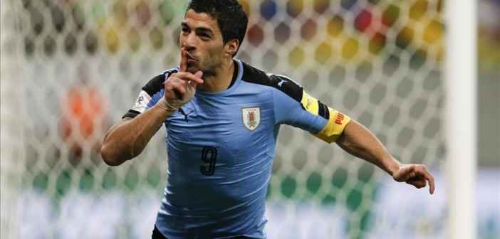 Uruguay s Luis Suarez celebrates after scoring against Brazil during a 2018 World Cup qualifying soccer match at the Pernambuco Arena  in Recife  Brazil  Friday  March 25  2016   AP Photo Leo Correa