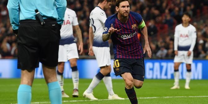 LON139. LONDRES (R.UNIDO), 03/10/2018.- Lionel Messi de Barcelona celebra después de anotar hoy, miércoles 3 de octubre de 2018, en un partido del grupo B de la Liga de Campeones entre Tottenham Hotspur y FC Barcelona, en Londres (Reino Unido). EFE/ANDY RAIN
