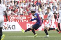 El Barça supera al Sevilla con un triplete de Messi