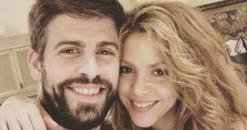 Shakira, colgada de Piqué