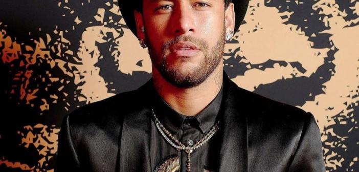 Neymar publica fotos íntimas y mensajes de la mujer que le acusó de violación