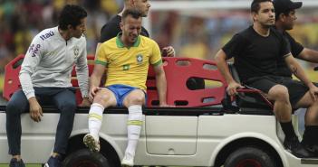 ¡Arthur se lesiona en la rodilla!