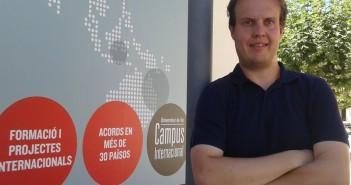 Vic. Fotos del periodista i professor de la UVic-UCC  Xavier Ginesta per a sèrie d'entrevistes del mes d'agost sobre el procés de Catalunya. Col·laborador El Punt Avui.