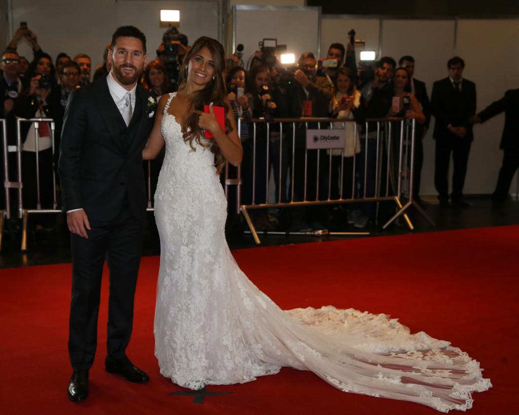 Alfonbra roja en la boda de Leo y Antonela.