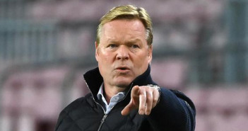 Barcelona's Dutch coach Ronald Koeman gestures during the UEFA Champions League group G football match between Barcelona and Dynamo Kiev at the Camp Nou stadium in Barcelona, on November 4, 2020. (Photo by LLUIS GENE / AFP)